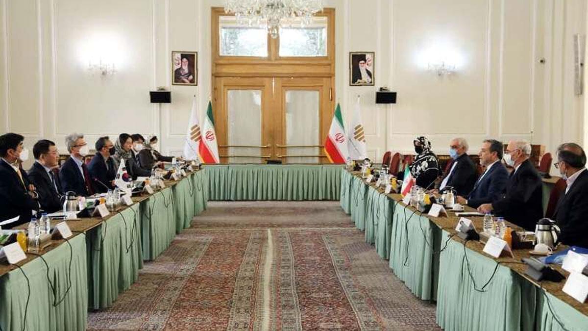 Phái đoàn Hàn Quốc và Iran gặp nhau tại Tehran. Ảnh IRNA