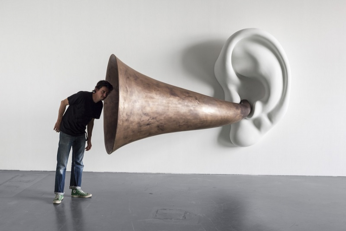 John Baldessari, Beethoven's Trumpet (With Ear), Opus # 133, 2007 © The Estate of John Baldessari. Courtesy the Estate of John Baldessari and Sprüth Magers. Photo: Timo Ohler