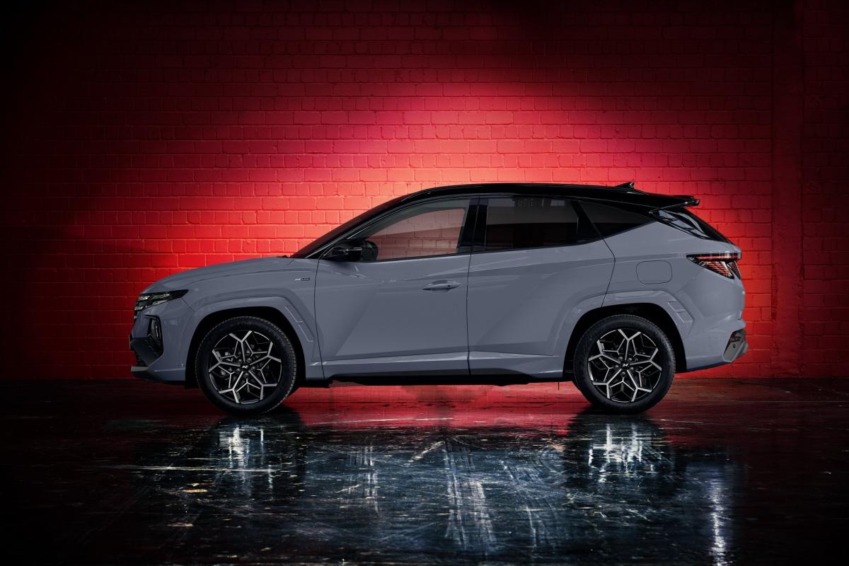 Giống với nhiều mẫu xe khác của Hyundai ra mắt trong thời gian gần đây, Hyundai Tucson N Line cũng được trang bị tiêu chuẩn gói trang bị an toàn SmartSense Active Safety. Gói trang bị này sẽ bao gồm các công nghệ tối tân để giúp chiếc xe vận hành an toàn hơn.