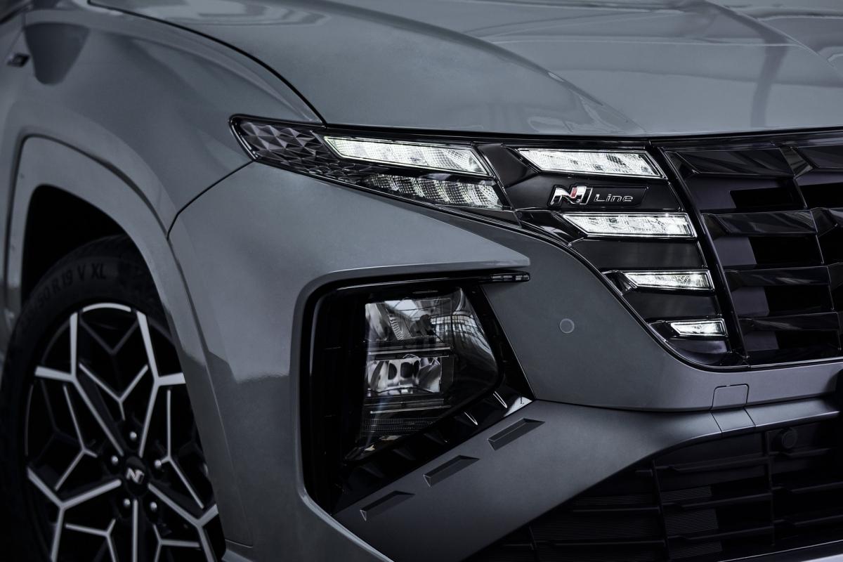 Hyundai sẽ bắt đầu bán ra Tucson N Line tại thị trường châu Âu bắt đầu ngay từ thời điểm này với các biến thể chạy xăng và lai điện mild-hybrid. Bản hybrid và plug-in hybrid sẽ được bán ra vào mùa hè năm nay./.