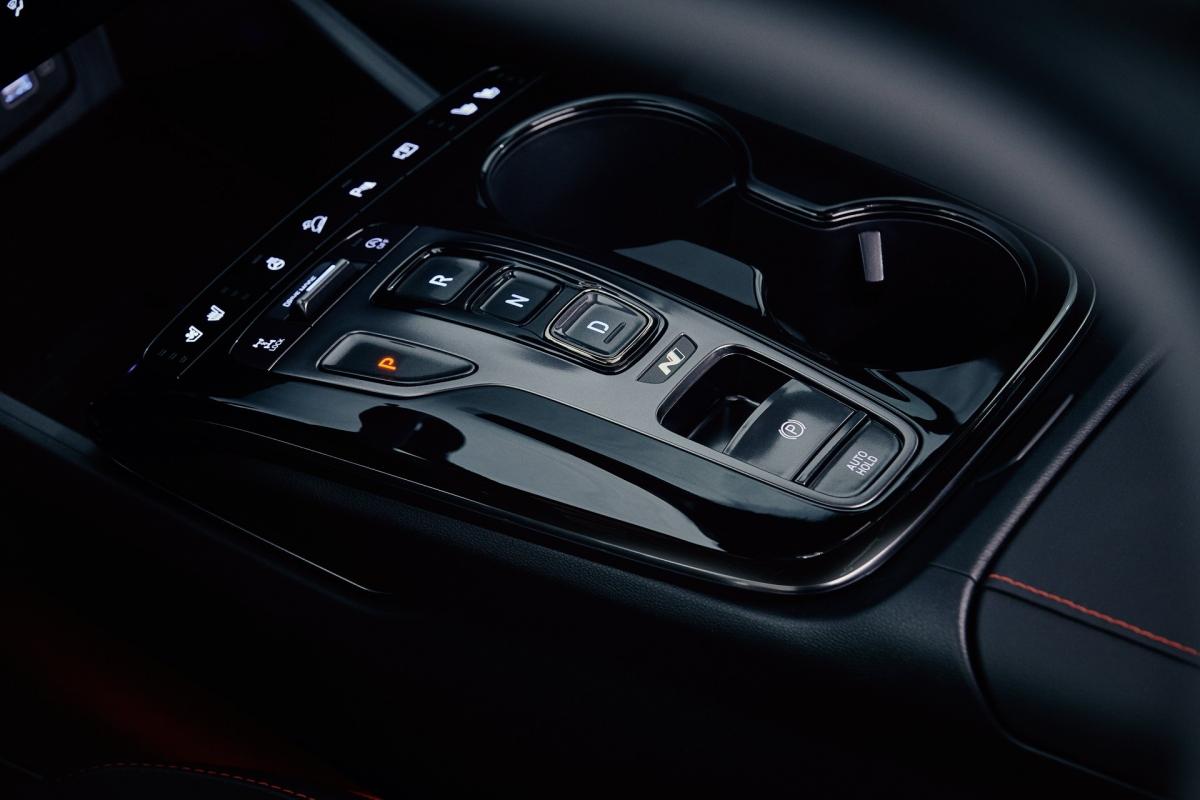 Ở bản thể thao N Line, Hyundai mang đến cho khách hàng mua xe lên đến bốn tùy chọn hệ dẫn động khác nhau. Tất cả đều được trang bị động cơ Smartstream T-GDI dung tích 1.6 lít.