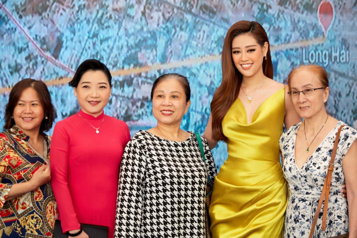 Theo dự kiến, cô đại diện nước nhà dự thi Miss Universe 2020, tuy nhiên vì dịch Covid-19, ban tổ chức đã dời lịch tổ chức sang năm 2021.