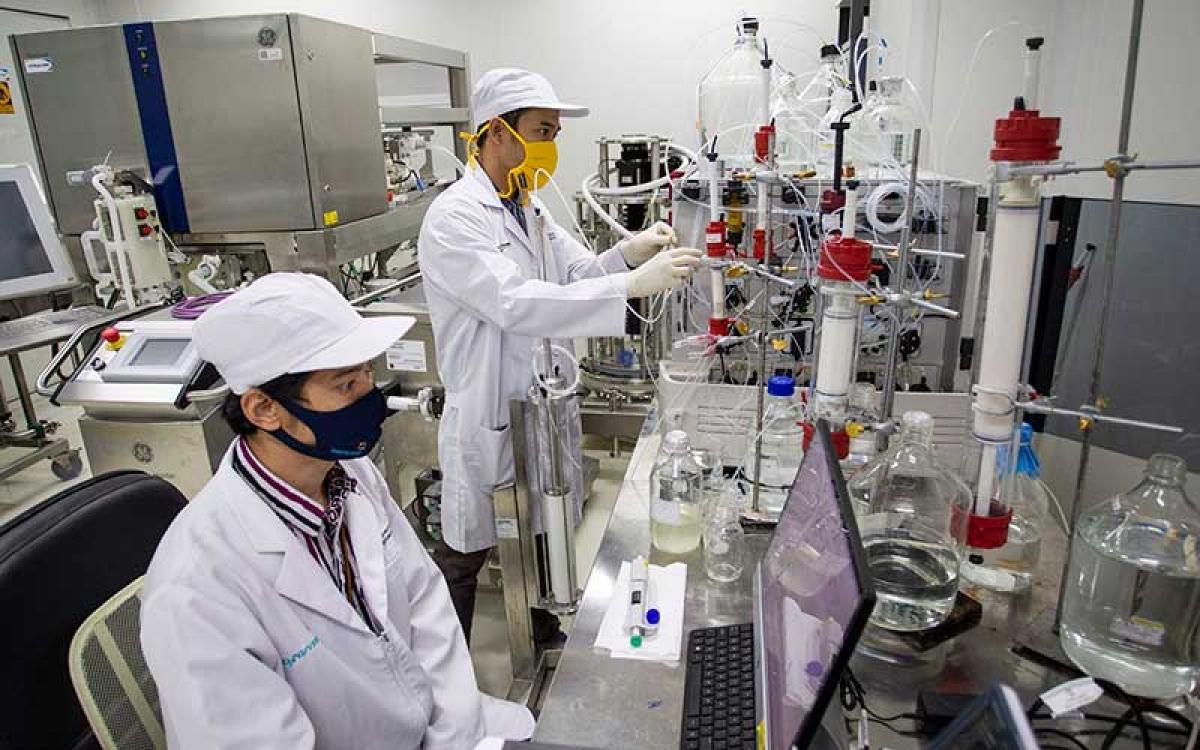 Công ty dược phẩm Bio Farma nghiên cứu phát triển vaccine Covid-19. Nguồn: Antara