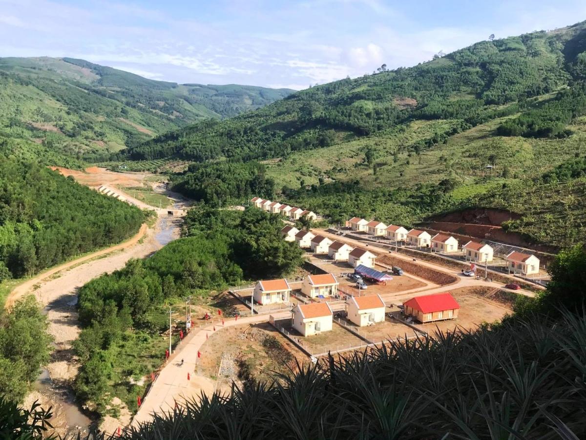 Khu tái định cư dành cho đồng bào dân tộc thiểu số tại huyện Khánh Sơn, tỉnh Khánh Hòa.