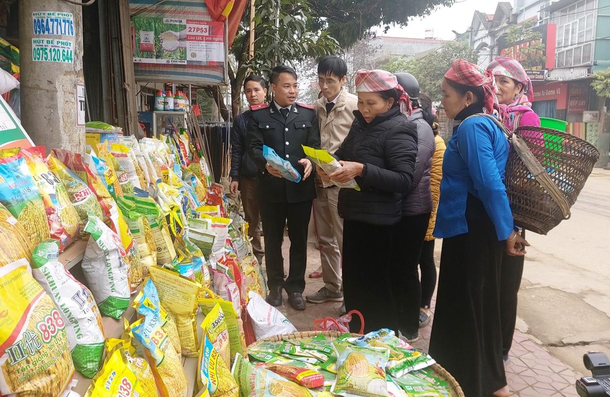 Các siêu thị, cửa hàng cung ứng ra thị trường 18.000 tấn gạo tẻ, gạo nếp (Ảnh Báo Lào Cai)
