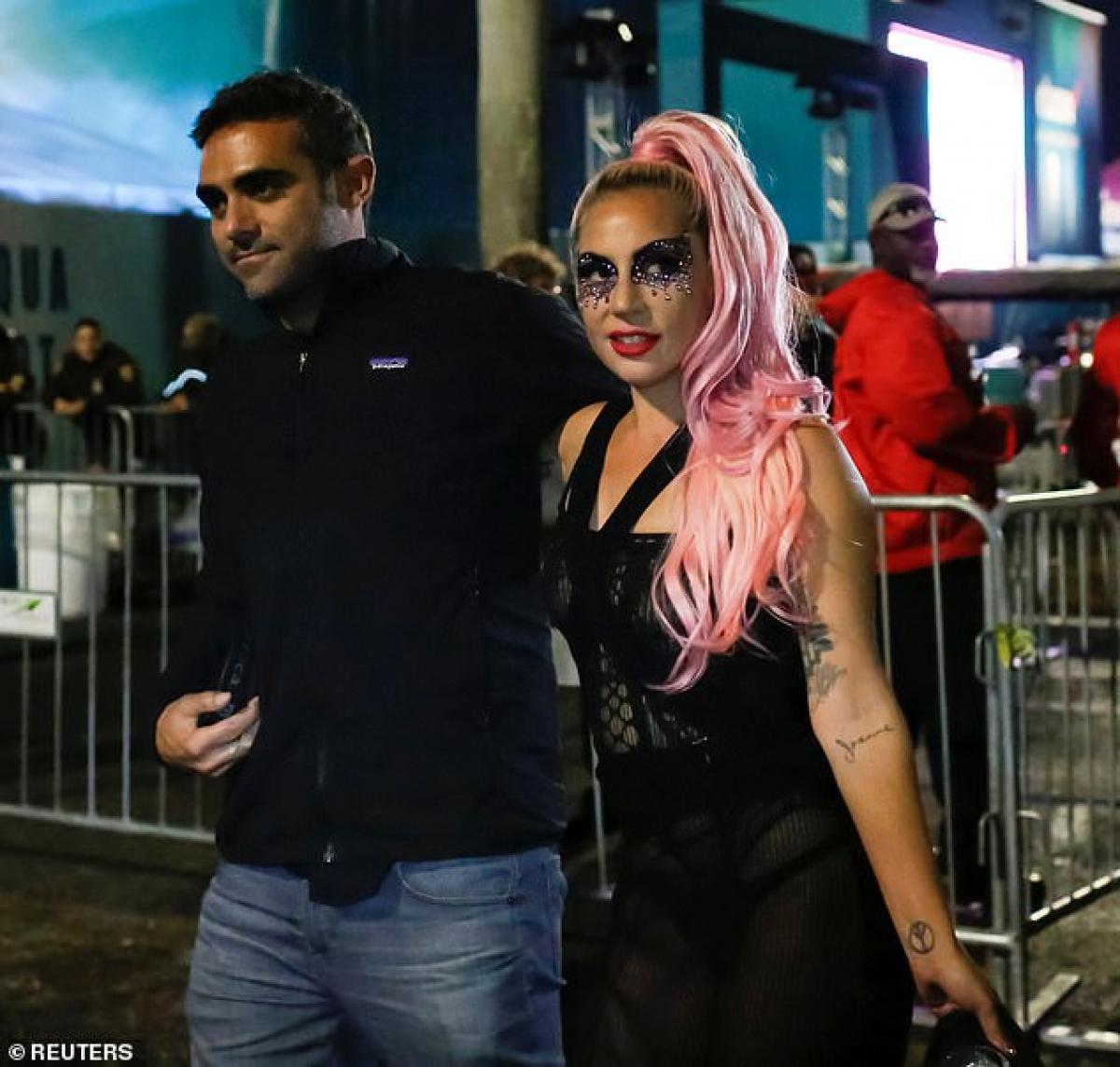 Trong thời gian qua, Lady Gaga và bạn trai doanh nhân thực hiện tự cách ly tại nhà cùng nhau.