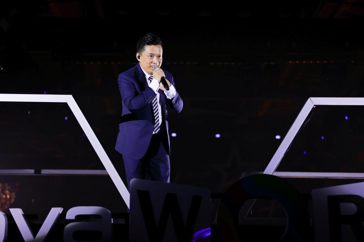 Spotlight show ca nhạc ngày đầu tiên không thể không nhắc đến ca sĩ Lam Trường.