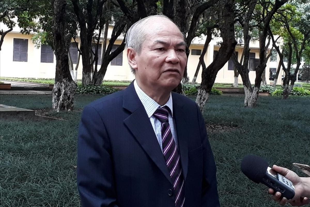 TS Lê Hữu Nghĩa.