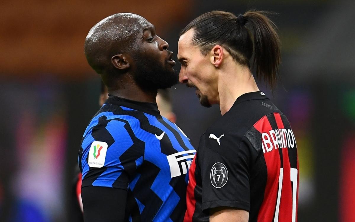 Ibrahimovic và Lukaku xô xát với nhau (Ảnh: Getty).