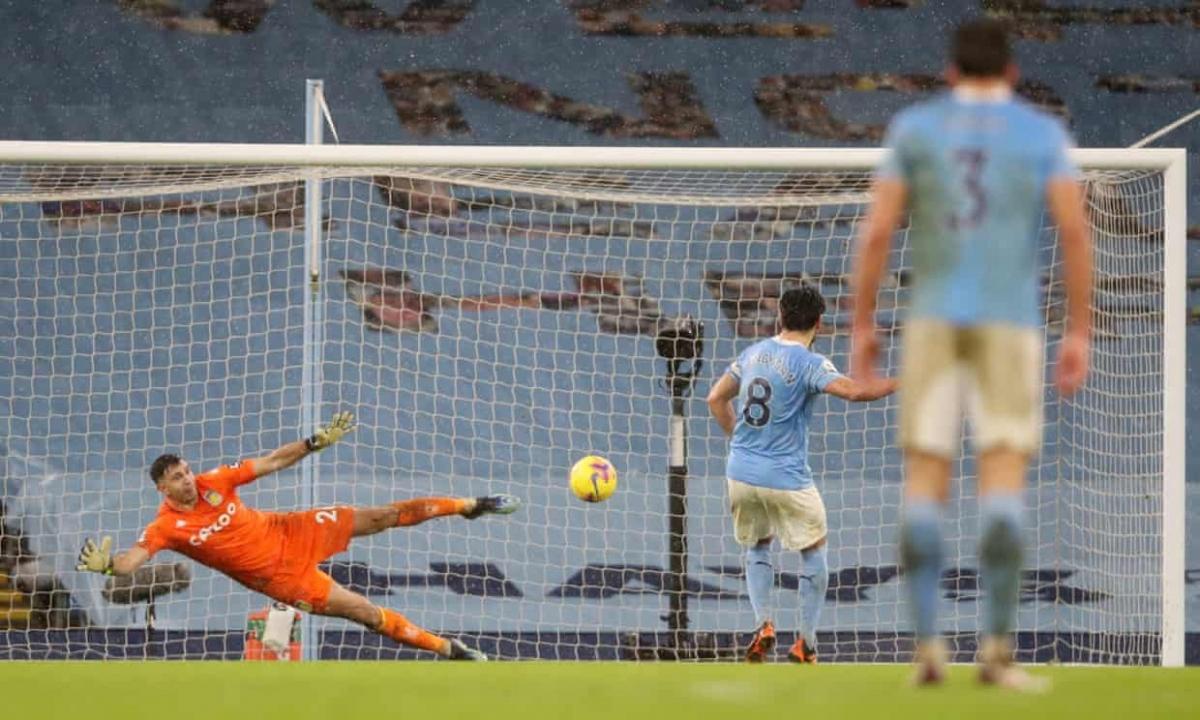Aston Villa trả giá vì những sai lầm nơi hàng thủ. (Ảnh: Getty)