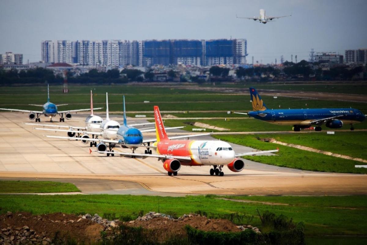 Các hãng hiện đang thực hiện mở bán vé vượt quá số lượng slot (lượt cất, hạ cánh) đã được xác nhận, trừ hãng hàng không Pacific Airlines.