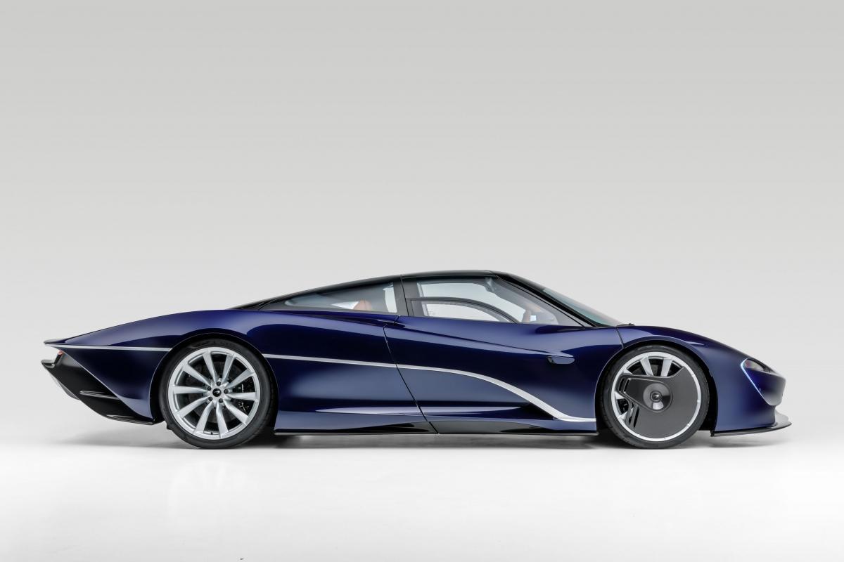 Màu sơn đặc biệt này được McLaren gọi là MSO Heritage Atlantic Blue, một sắc xanh dương khá độc đáo khi phần nhiều ngả về tím.