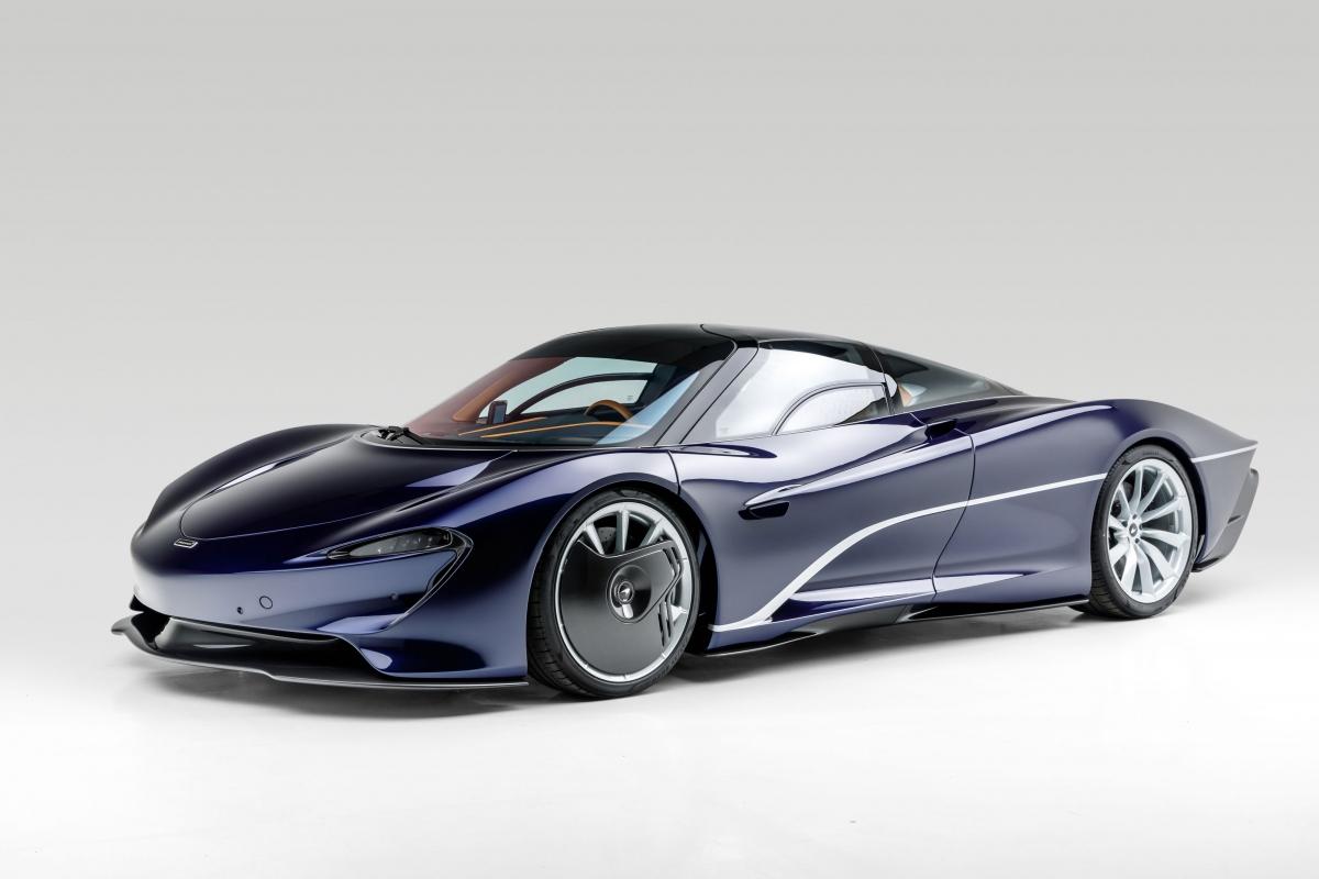 Với sức mạnh này, McLaren Speedtail có thể tăng tốc lên 300 km/h trong chỉ 12,8 giây và có thể đạt tốc độ tối đa lên đến 403 km/h, trở thành chiếc xe nhanh nhất của McLaren ở thời điểm này.