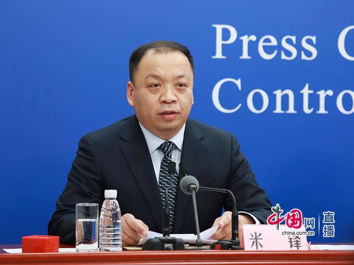Ông Mễ Phong, người phát ngôn Ủy ban Y tế và Sức khỏe Quốc gia Trung Quốc. Ảnh: china.com.cn