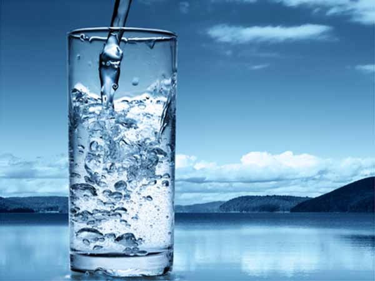 Thiếu nước: Uống không đủ nước có thể dẫn đến rối loạn các chức năng cơ thể, khiến bạn cảm thấy vô cùng mệt mỏi và kiệt quệ./.