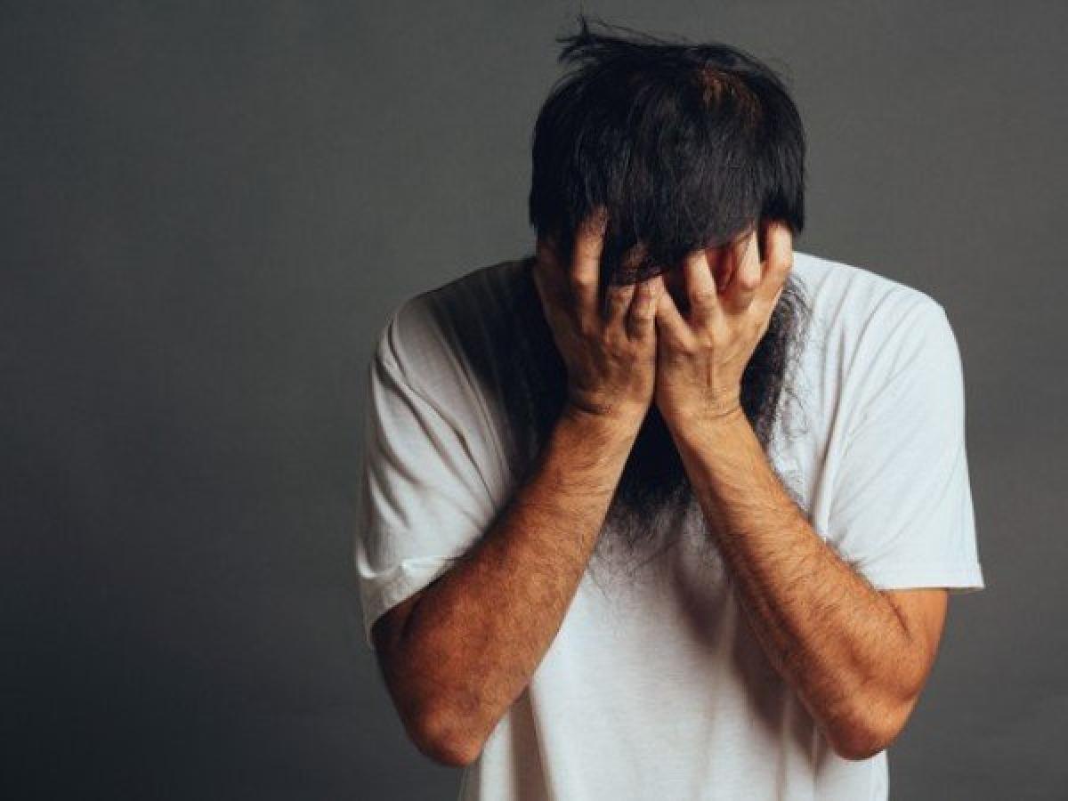 Trầm cảm: Nếu bên cạnh cảm giác mệt mỏi thường xuyên, bạn còn thấy khó ngủ, khó tập trung, thường xuyên đắm chìm trong quá khứ, luôn cảm thấy tiêu cực và vô vọng, không muốn giao tiếp với mọi người, có thể bạn đang phải đối mặt với chứng trầm cảm.