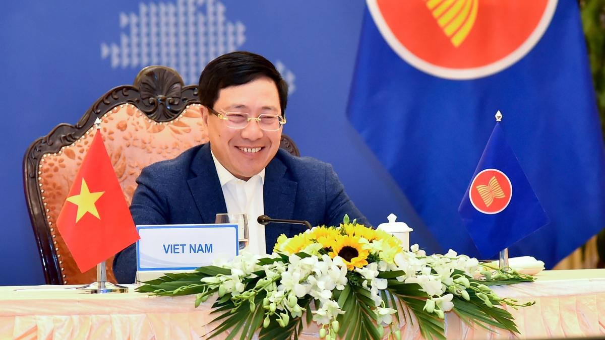 Phó Thủ tướng, Bộ trưởng Ngoại giao Phạm Bình Minh phát biểu tại Hội nghị.