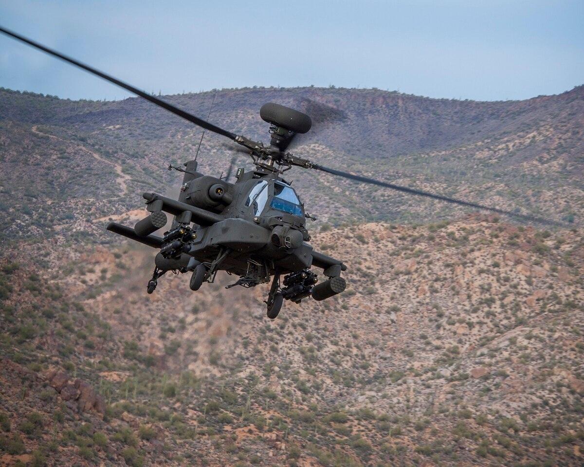 Một chiếc trực thăng Apache AH-64E Guardian. Ảnh: Defence News.