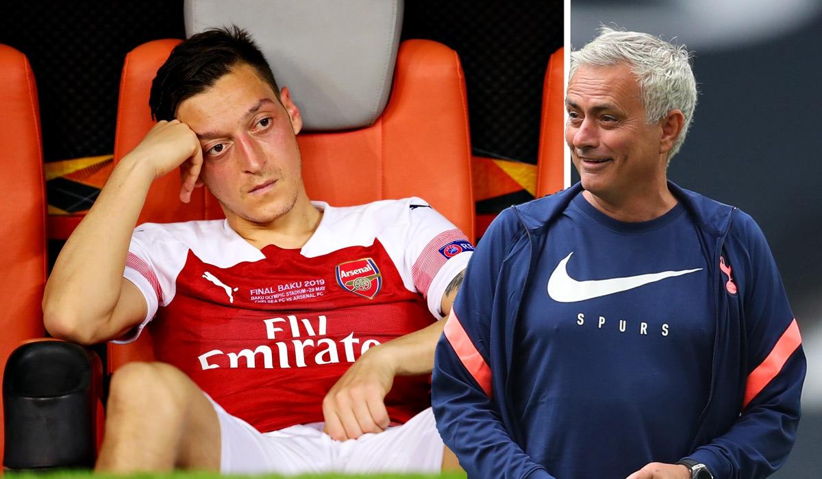 "Mesut Ozil cạnh khóe Tottenham, Jose Mourinho đáp trả ""cực gắt"". (Ảnh: The Sun)"