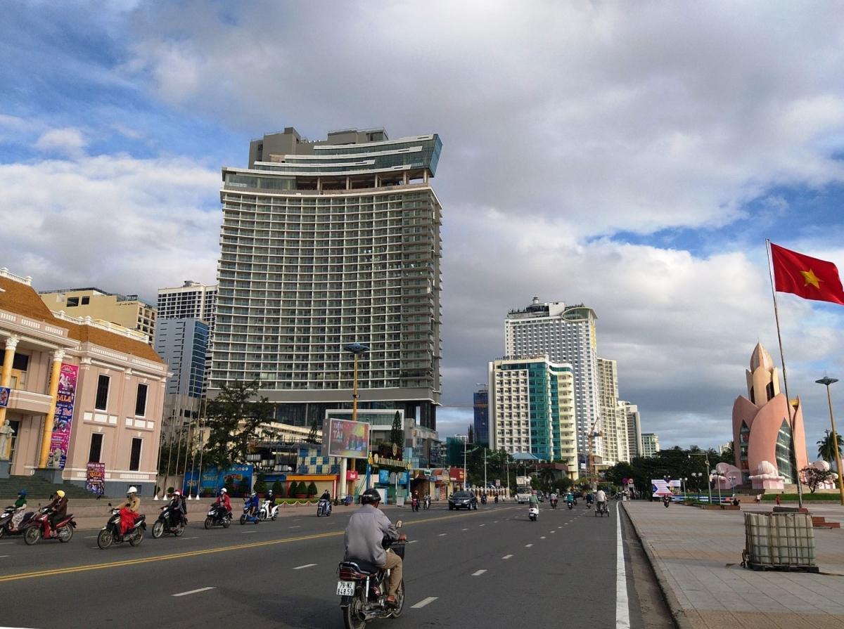 Doanh nghiệp tư nhân phát triển nhanh, góp phần thay đổi diện mạo kinh tế tỉnh Khánh Hòa.
