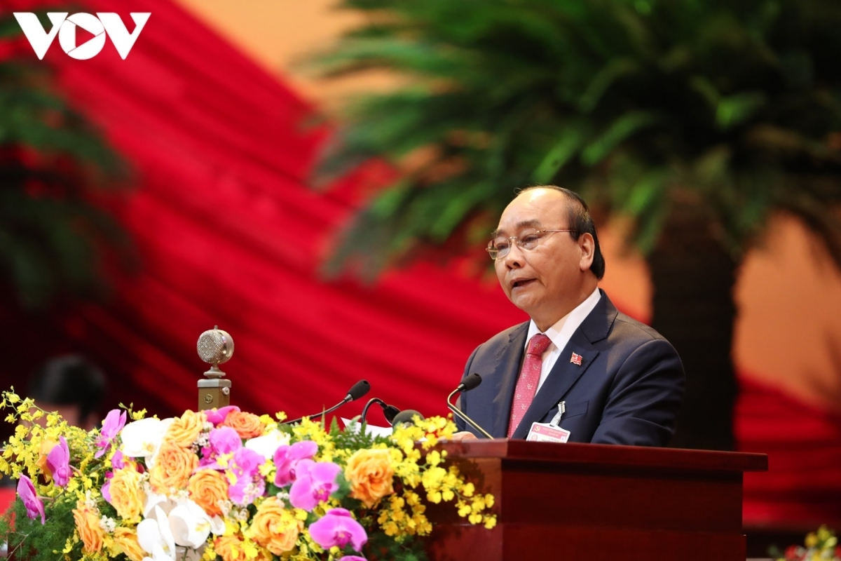 In his opening speech, Prime Minister Nguyen Xuan Phuc says officials and people pin their hopes on decisions to be endorsed by the congress to help Vietnam weather the storm and foster rapid and sustainable development.