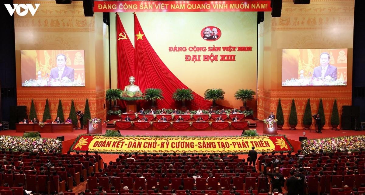 Ngày làm việc thứ ba Đại hội Đảng lần thứ XIII.