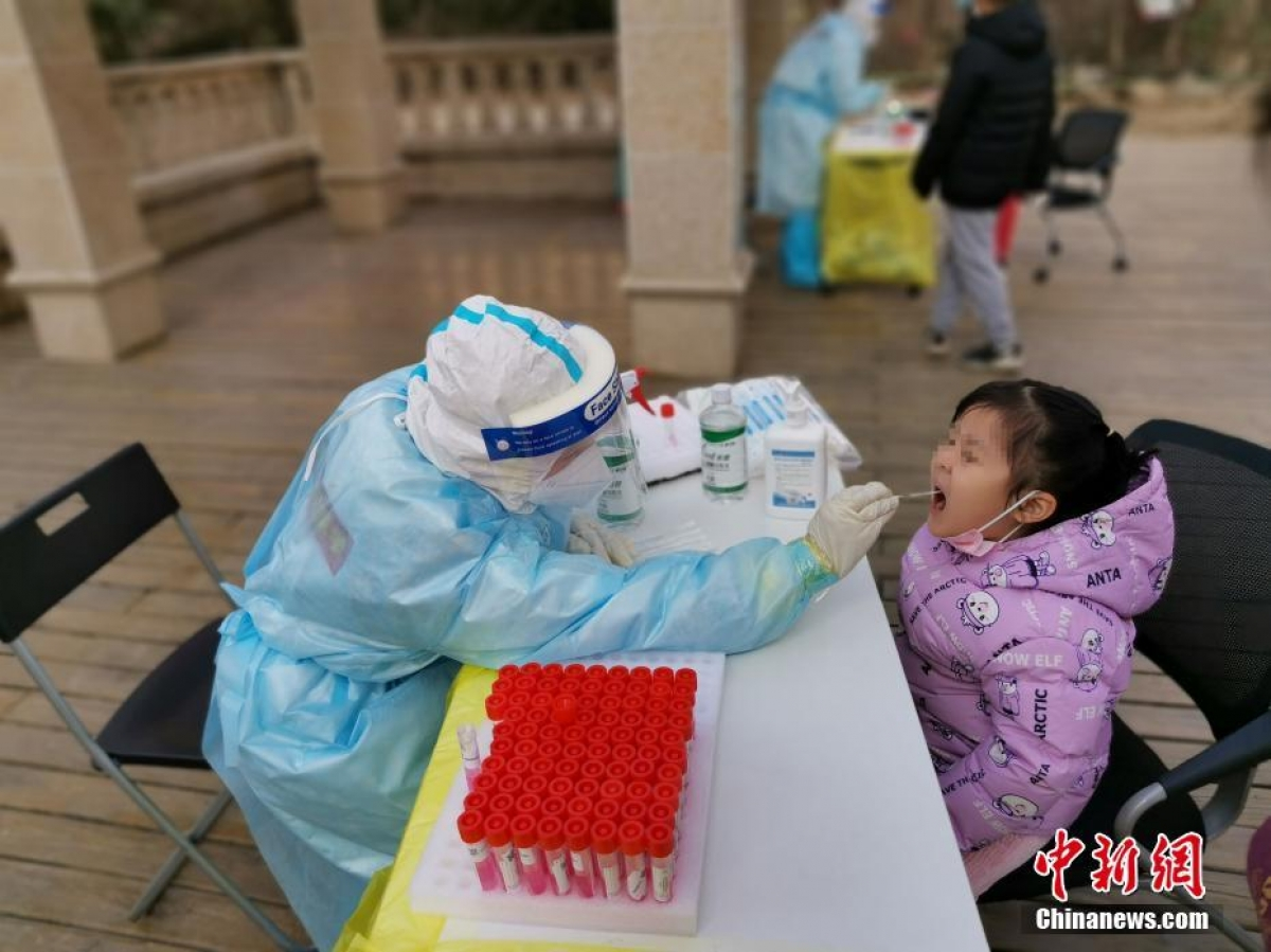 Ngày càng có nhiều khu vực ở tỉnh Hà Bắc phải xét nghiệm đại trà do dịch Covid-19. Ảnh: Chinanews.