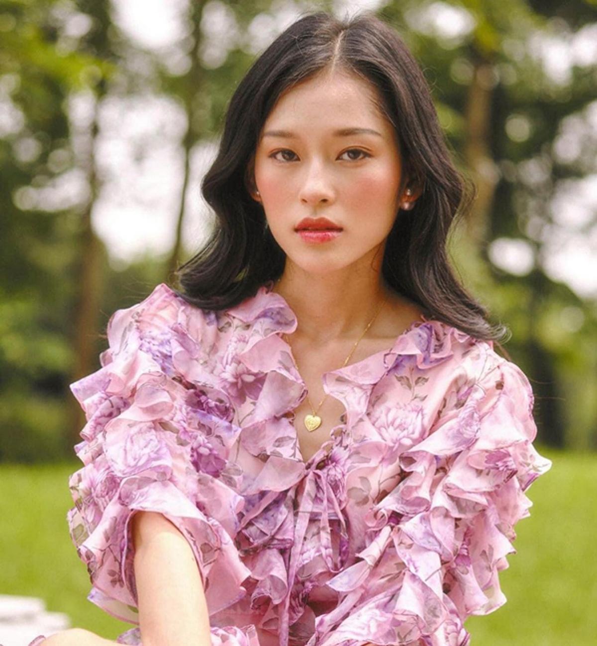 Minh Hà nhận được sự ủng hộ của đông đảo bạn bè khuyến khích theo đuổi môn nghệ thuật thứ bảy. Tuy nhiên cô nàng vẫn chưa có ý định lấn sân sang điện ảnh./.