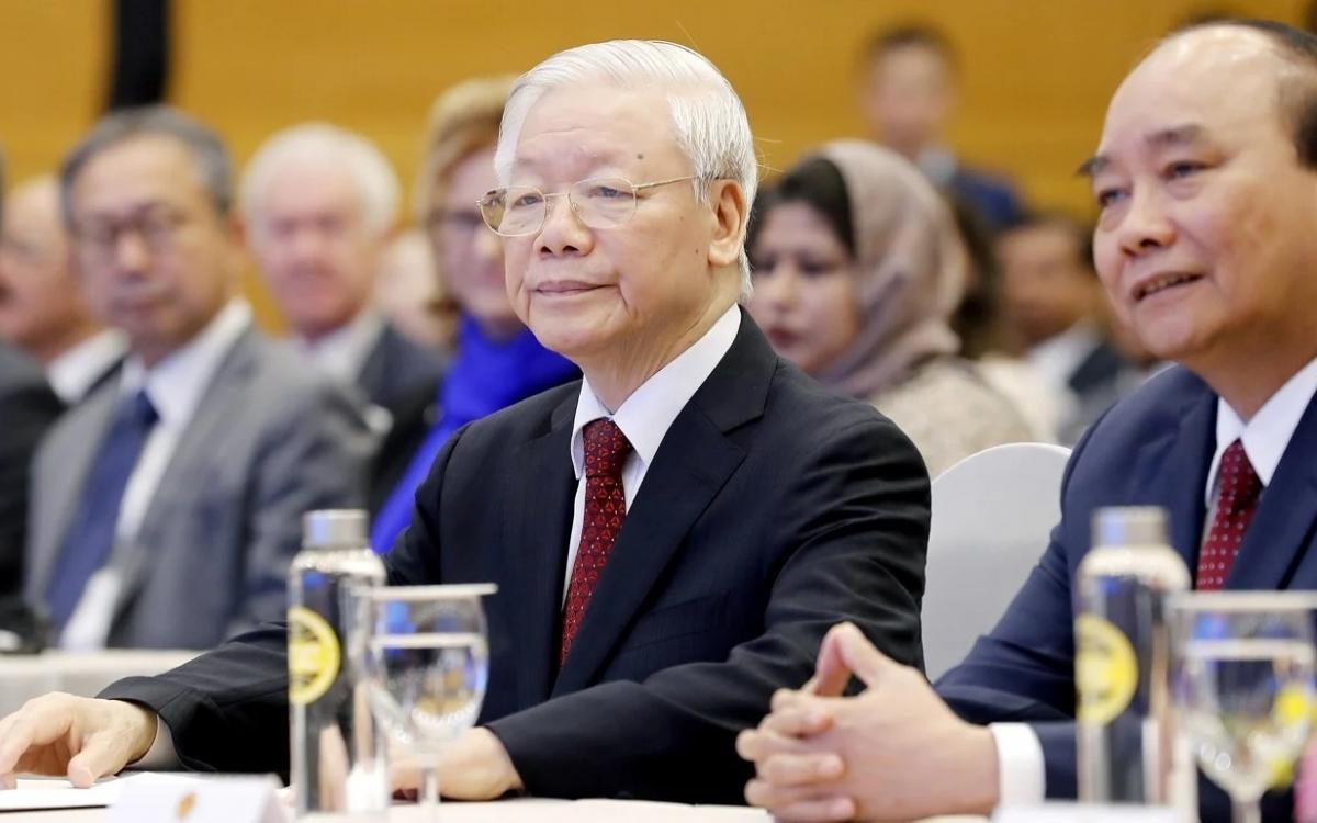 Tổng Bi thư, Chủ tịch nước Nguyễn Phú Trọng, và Thủ tướng Nguyễn Xuân Phúc. Ảnh: EPA.
