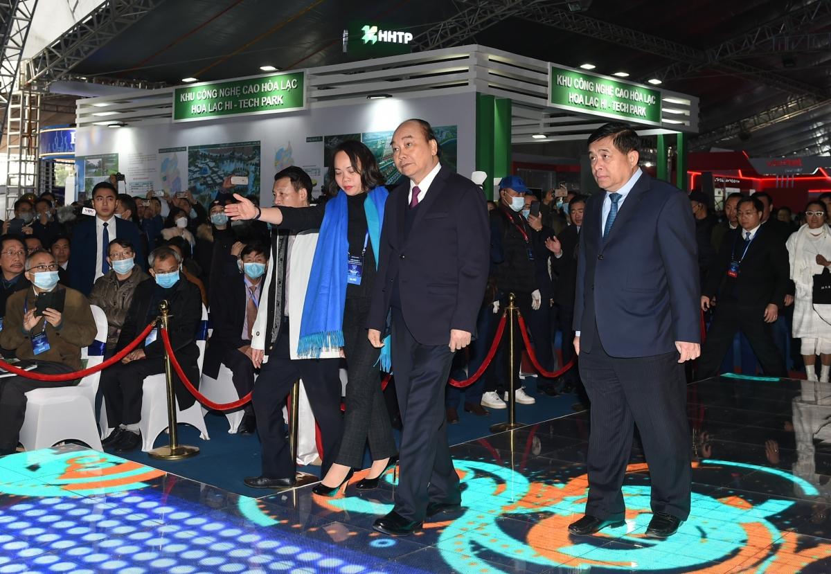Thủ tướng Chính phủ Nguyễn Xuân Phúc tới dự sự kiện. Ảnh: VGP/Quang Hiếu