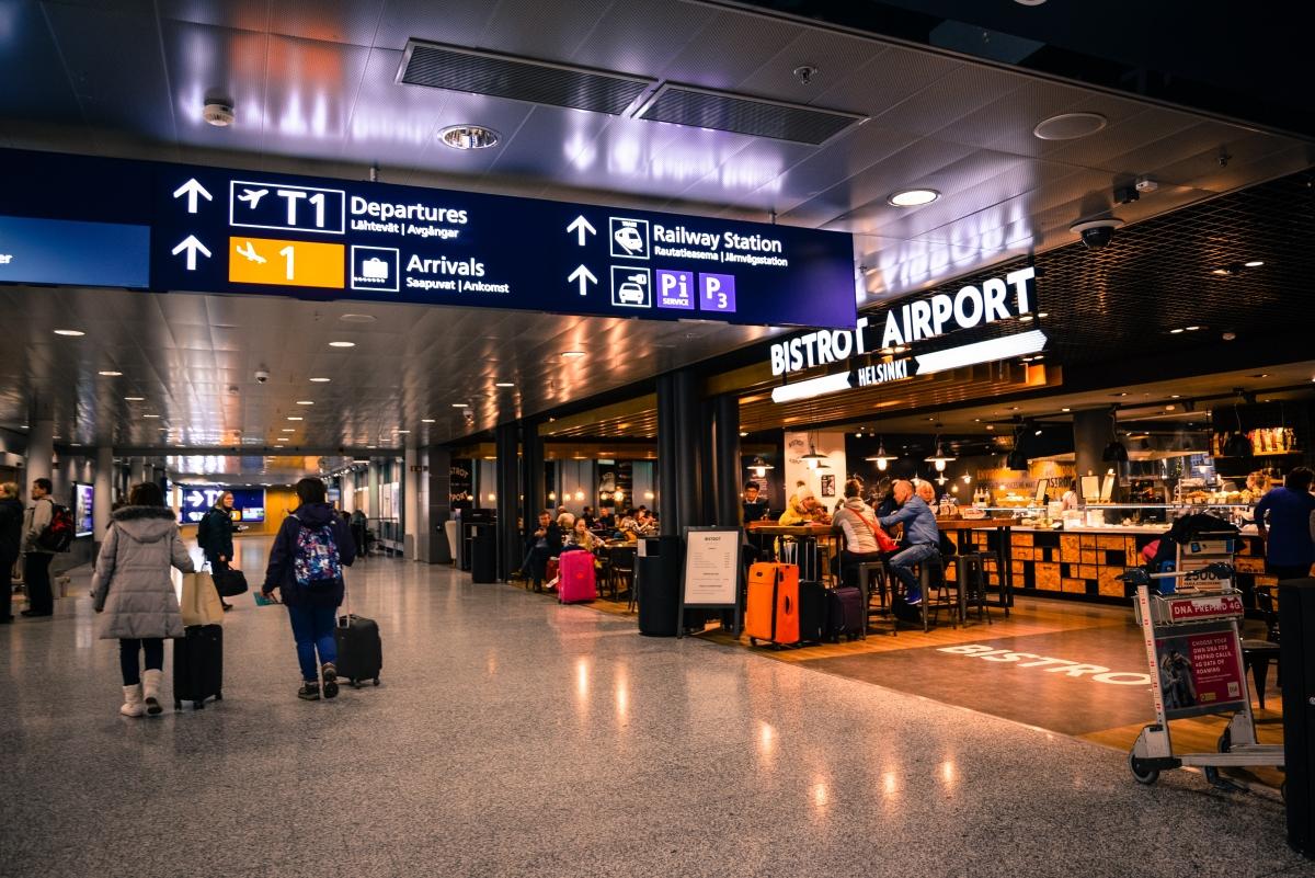 Đổi tiền ở sân bay thường không được tỉ giá tốt nhất. Nguồn: Pexels