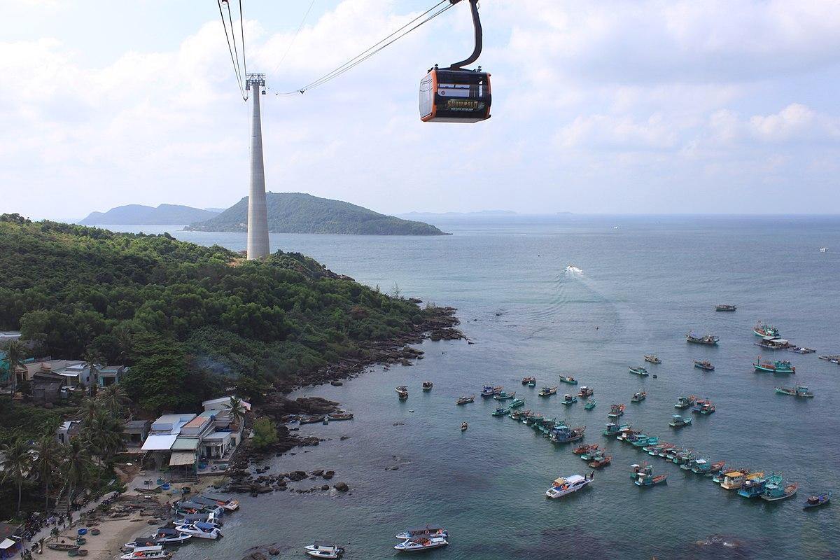Hệ thống cáp treo biển Hòn Thơm trên TP Phú Quốc.