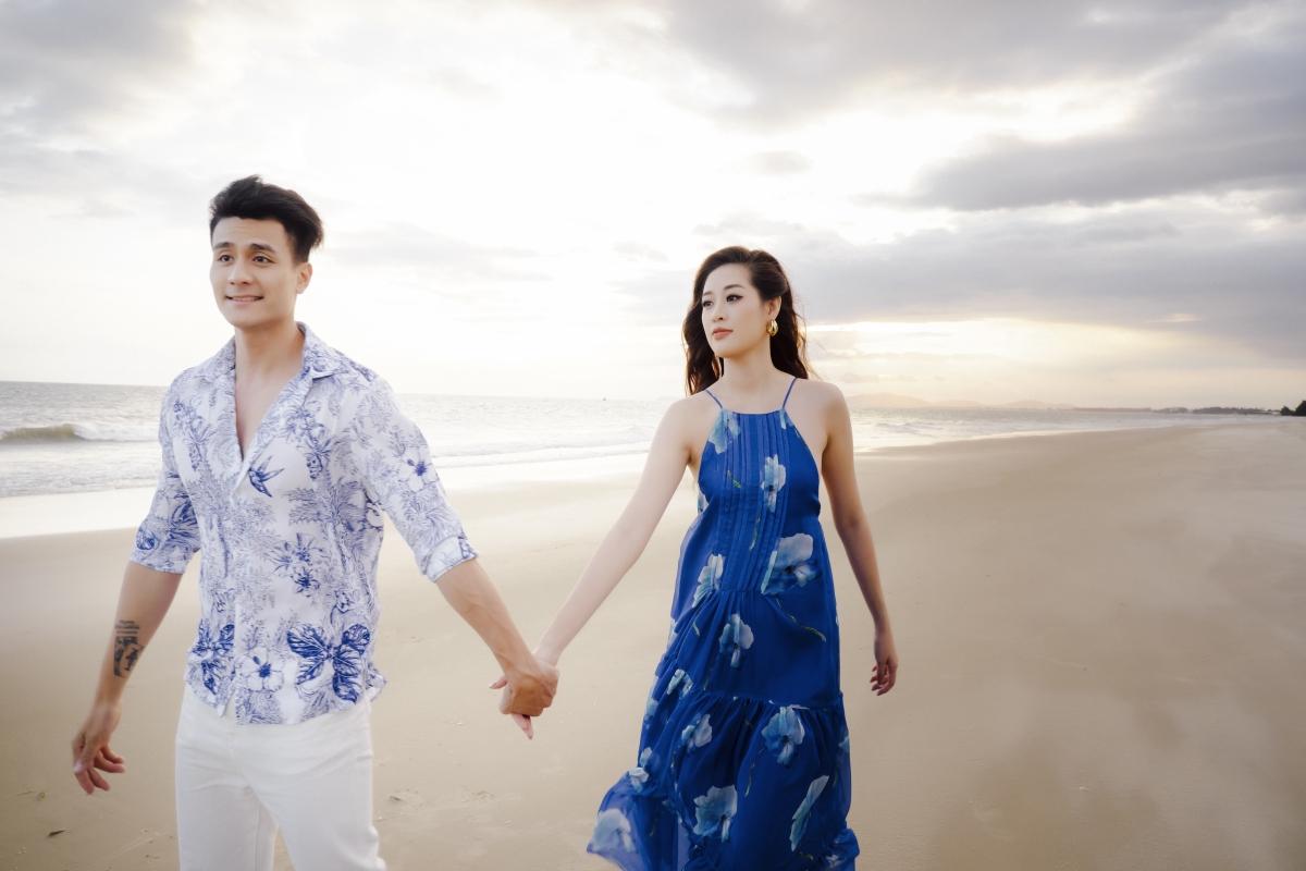 Mới đây, ngườimẫuVĩnh Thụyvà Hoa hậu Hoàn Vũ Việt Nam Khánh Vân đã có trải nghiệm thú vị tại bãi biển Long Hải - Vũng Tàu.