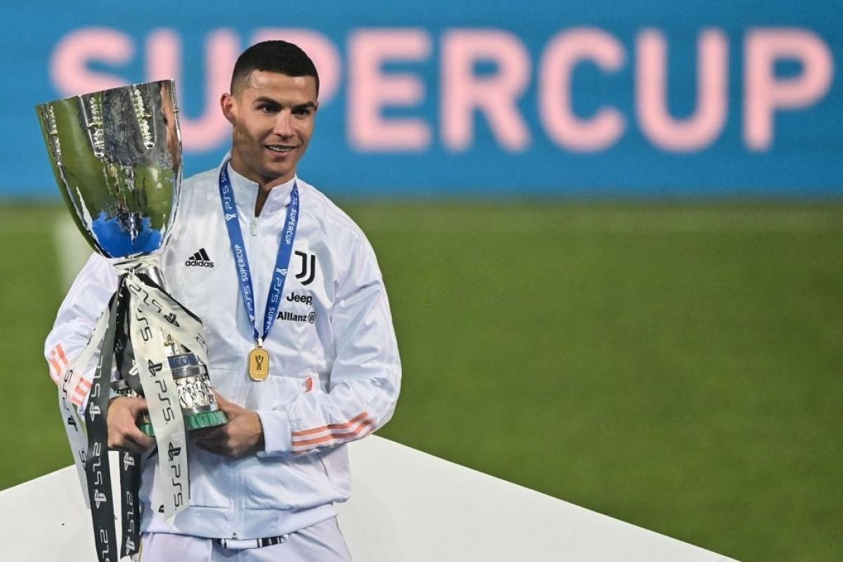 Ronaldo cán mốc 760 bàn thắng trong sự nghiệp (Ảnh: Getty).