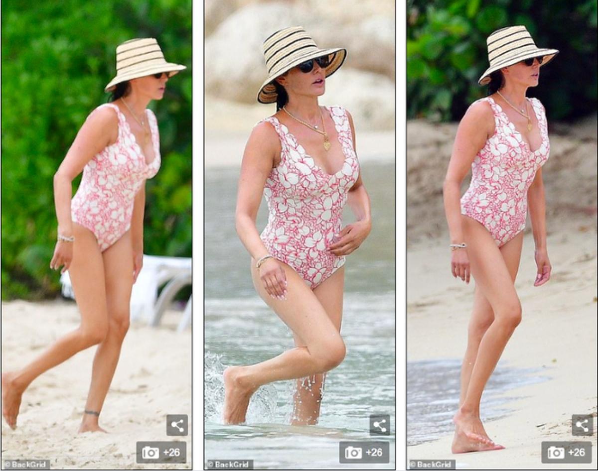 Lauren Silverman cùng Simon Cowell và con trai đang có kỳ nghỉ đón năm mới dài ngày ở Barbados.