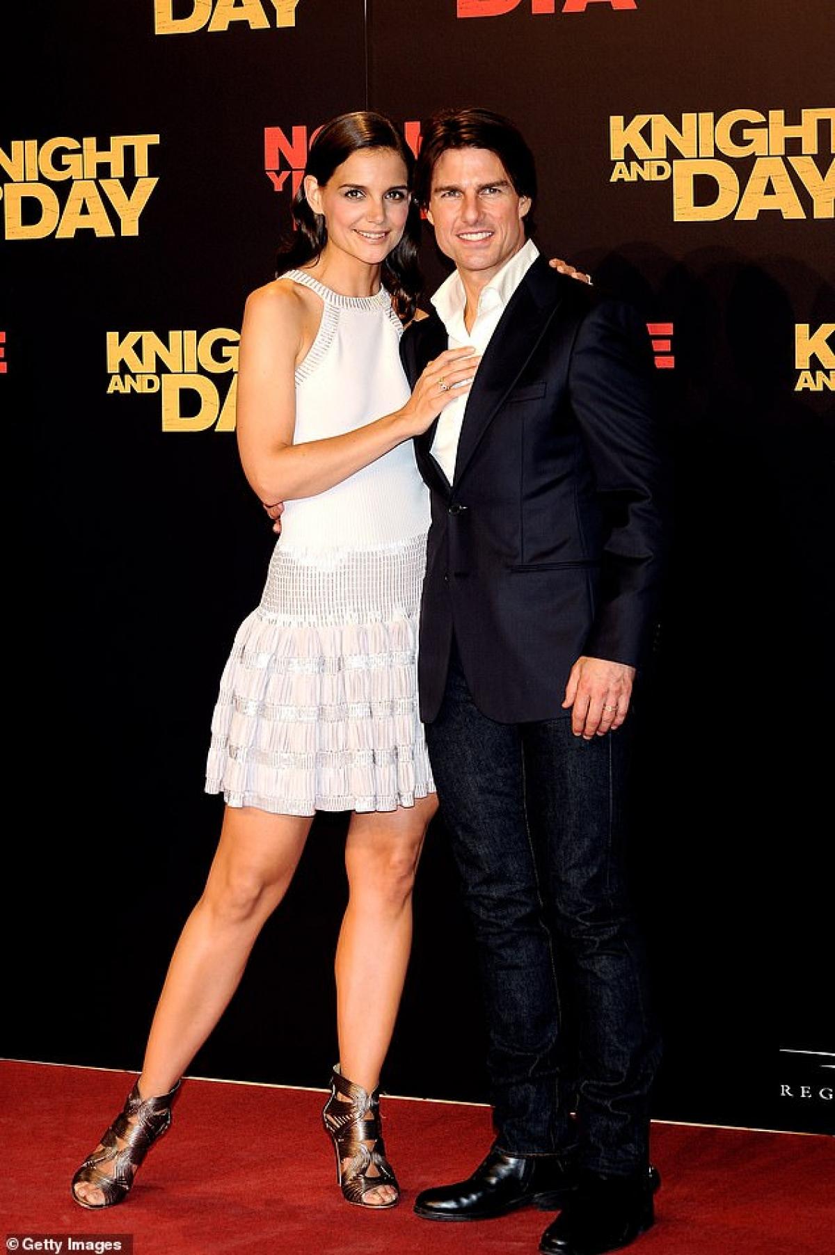 """Suri Cruise là kết quả tình yêu của Katie Holmes và tài tử Tom Cruise. Cặp đôi đã """"đường ai nấy đi"""" trước sự tiếc nuối của đông đảo người hâm mộ."""