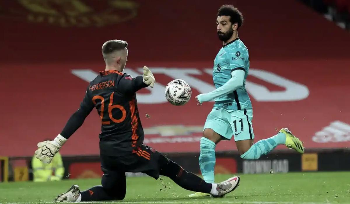 Salah mở tỷ số sau pha dứt điểm tinh tế. (Ảnh: Reuters).