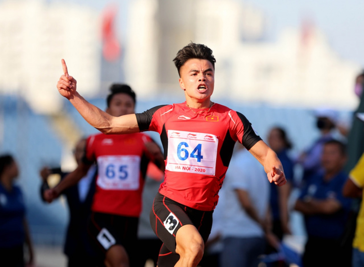 Track-and-field athlete Ngan Ngoc Nghia, 22, is among the list of people who recorded outstanding achievements in 2020.