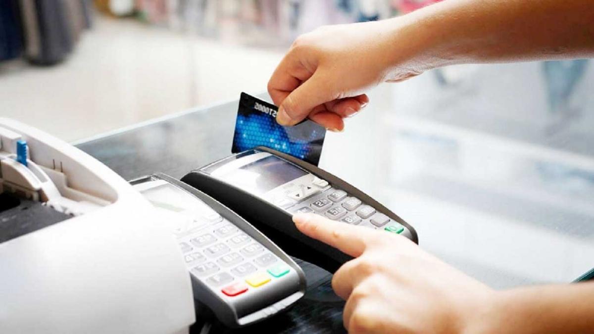 Các ngân hàng, TCTD tăng cường rà soát, nắm bắt thông tin về tình hình hoạt động thẻ ngân hàng. Ảnh minh họa.