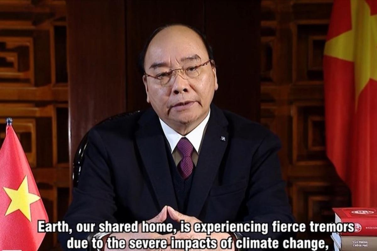Thủ tướng Nguyễn Xuân Phúc gửi thông điệp tới hội nghị thượng đỉnh về thích ứng với biến đổi khí hậu. Ảnh chụp màn hình từ video do Bộ Ngoại giao cung cấp.