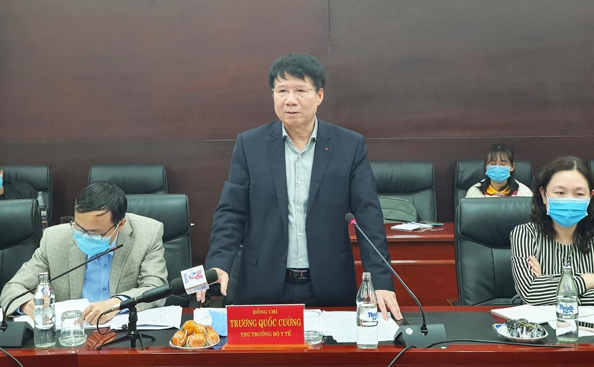 Thứ trưởng Bộ Y tế Trương Quốc Cường phát biểu tại buổi làm việc.