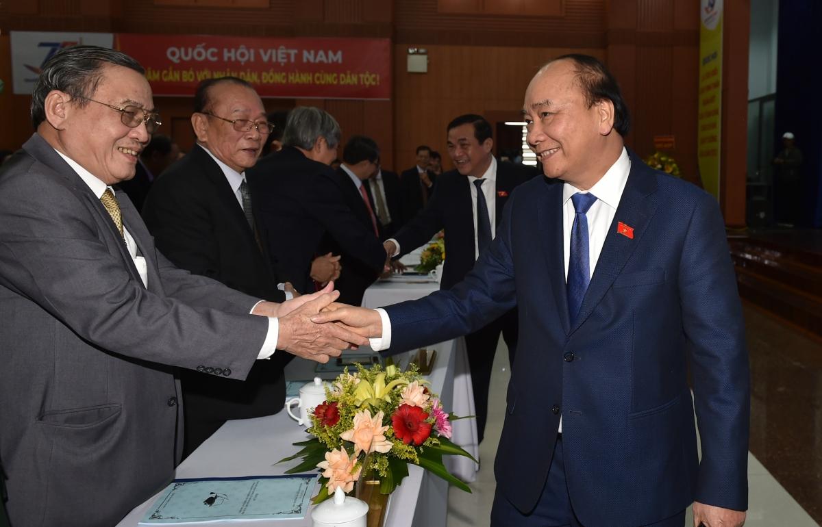 Thủ tướng gặp mặt các đại biểu