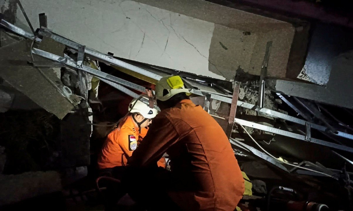 Cơ quan cứu hộ cứu nạn nỗ lực tìm kiếm nạn nhân trong các đống đổ nát. (Nguồn:Cơ quan tìm kiếm cứu hộ cứu nạn).