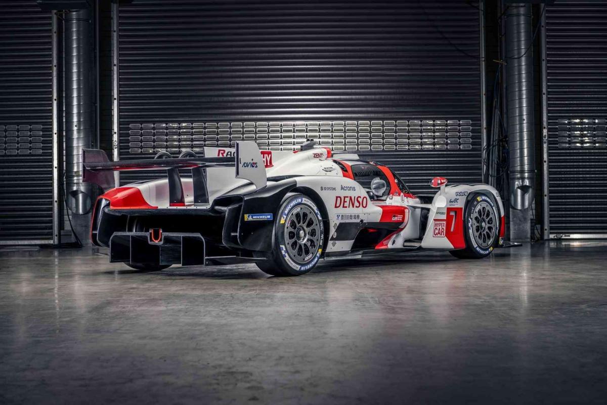 Năm nay, những đội đua tham gia bao gồm Toyota với chiếc GR010 Hybrid, SCG với siêu xe 007, ByKolles với PMC Project LMH. Đến năm sau, Peugeot cũng sẽ tham gia với chiếc hypercar chưa được công bố thông tin.