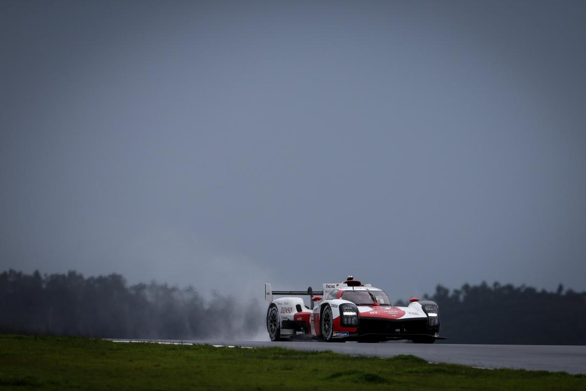 Tranh tài tại phân khúc LMH của giải đua WEC năm nay, Toyota giữ nguyên đội hình như họ đã sử dụng tại LMP1 trong năm qua. Đội hình này sẽ gồm các tay đua Kamui Kobayashi, Mike Conway và Jose Maria Lopez sẽ lái chiếc xe số 7 trong khi Sebastian Buemi, Kazuki Nakajima và Brendon Hartley sẽ đua số 8. Phiên bản thương mại của chiếc GR010 Hybrid sẽ được hãng xe đến từ Nhật Bản ra mắt trong thời gian tới đây.