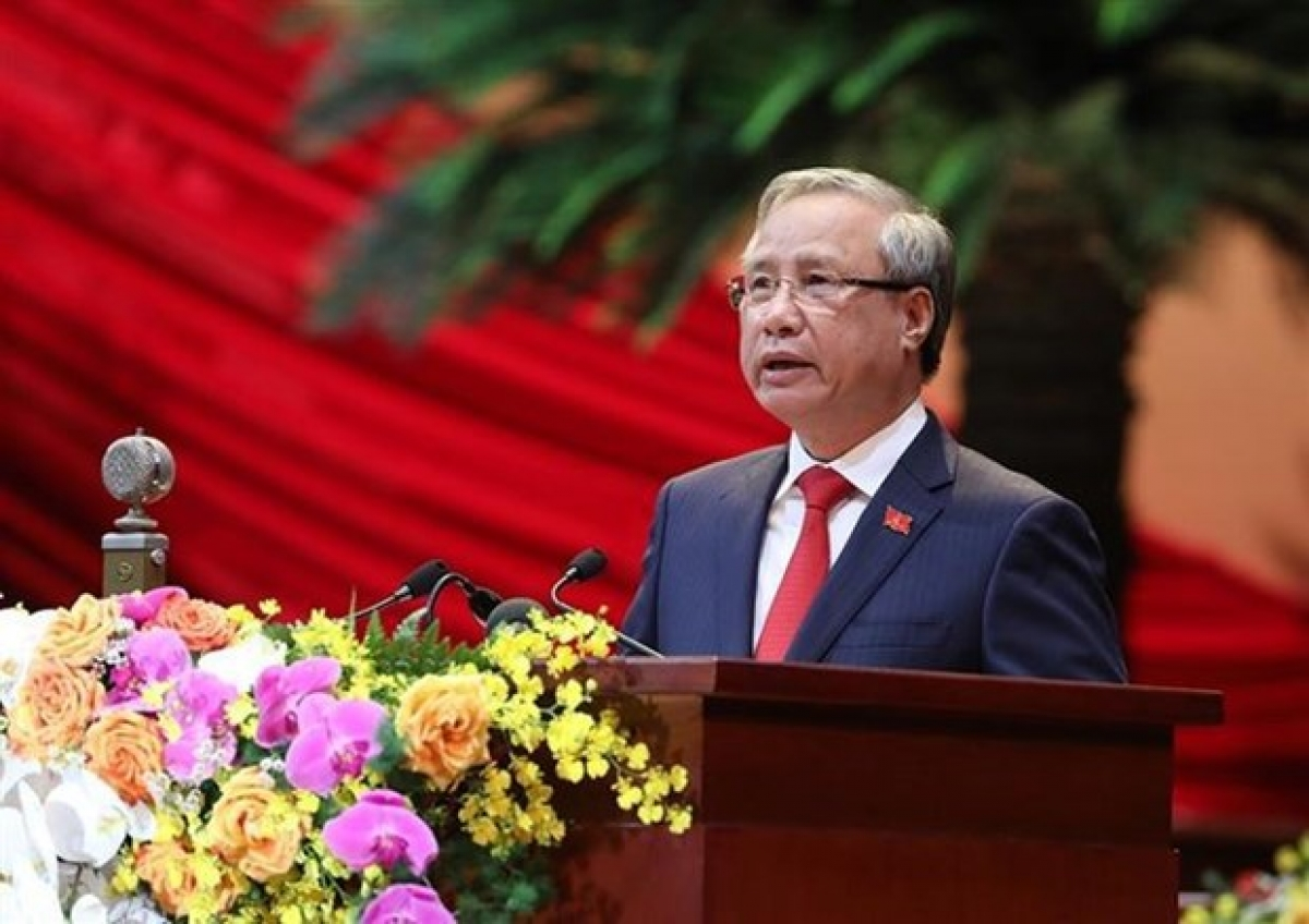 Tran Quoc Vuong, Politburo member and permanent member of the Party Central Committee's Secretariat, speaks at the congress. (Photo: VNA)