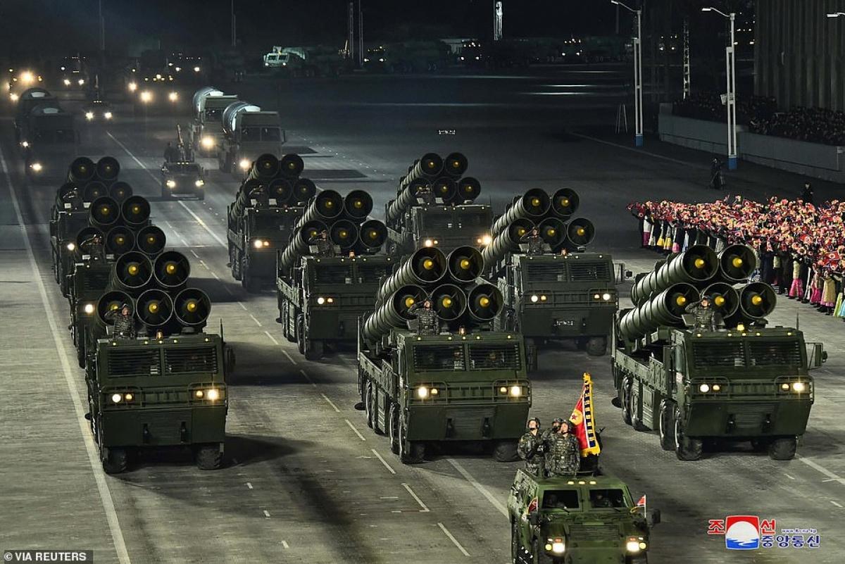 Triều Tiên đã có ít nhất một lần diễu binh vào buổi tối như thế này.