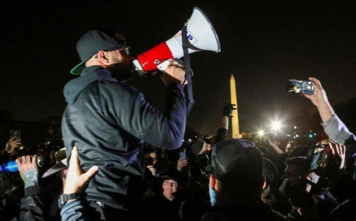 Một cuộc biểu tình phản đối kết quả bầu cử Tổng thống Mỹ ở Washington, DC, ngày 11/12/2020. Ảnh: REUTERS