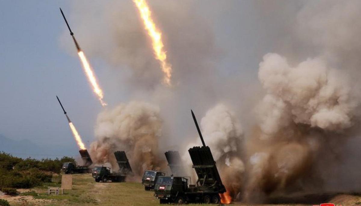 Ảnh về cuộc diễn tập phóng tên lửa của Triều Tiên được KCNA công bố ngày 5/5/2019. Ảnh: KCNA/Reuters.