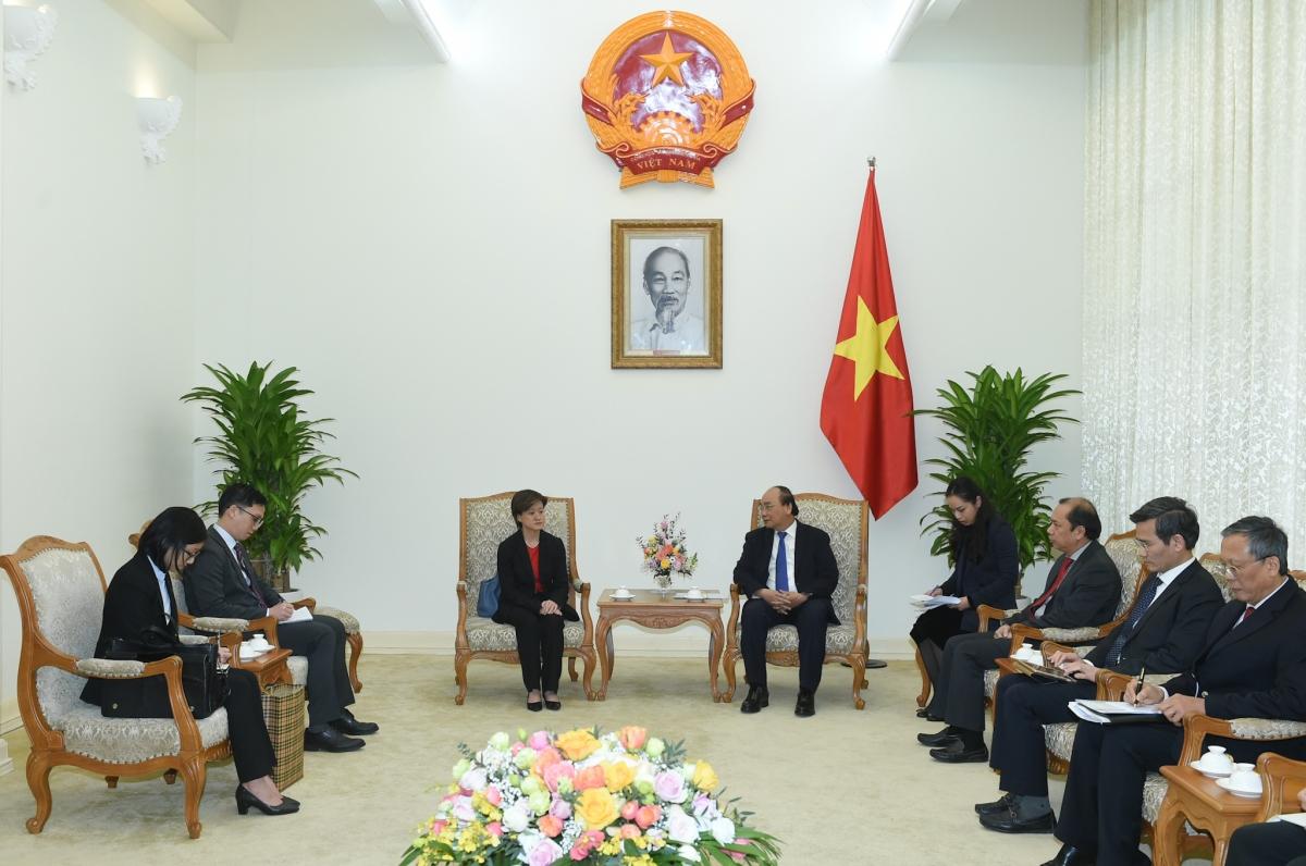 Thủ tướng Nguyễn Xuân Phúc mong muốn có thêm nhiều tập đoàn công nghệ của Singapore tìm hiểu và đầu tư tại thị trường Việt Nam. Ảnh: VGP/Quang Hiếu
